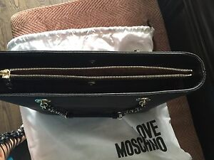 Authentic Moschino purse  West Island Greater Montréal image 3