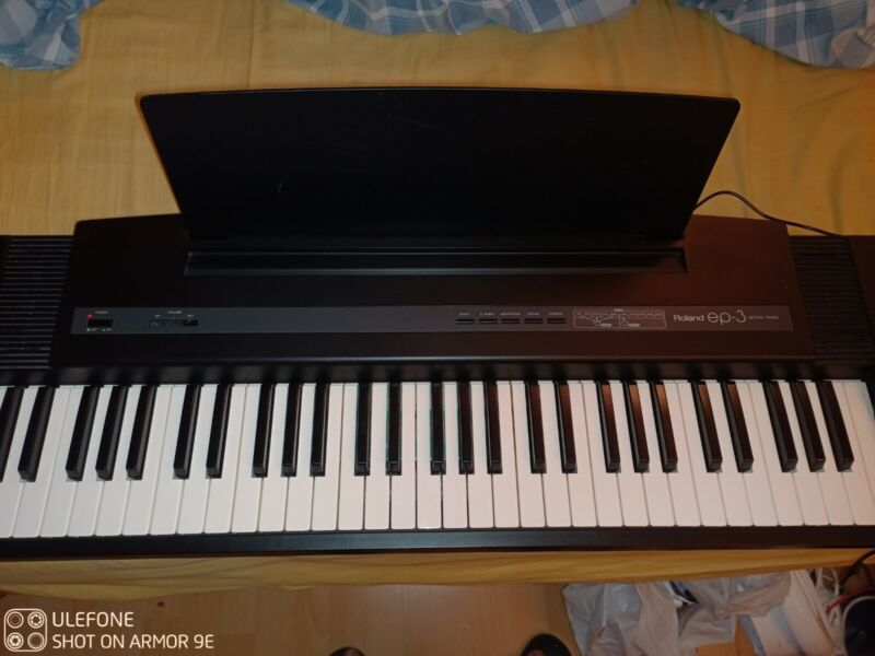 Roland EP-3 Digital Piano