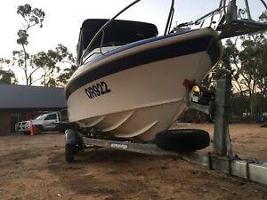 Boat Haines signature 1750L
