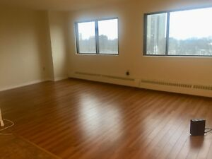 550$ everything included. A room in a 3 bdr apartment.