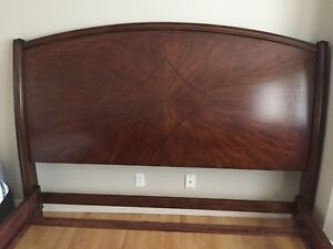 King Size Bed Frame for Sale - MUST GO THIS WEEK ! 400$ OBO