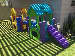 Outdoor moulded plastic play equipment