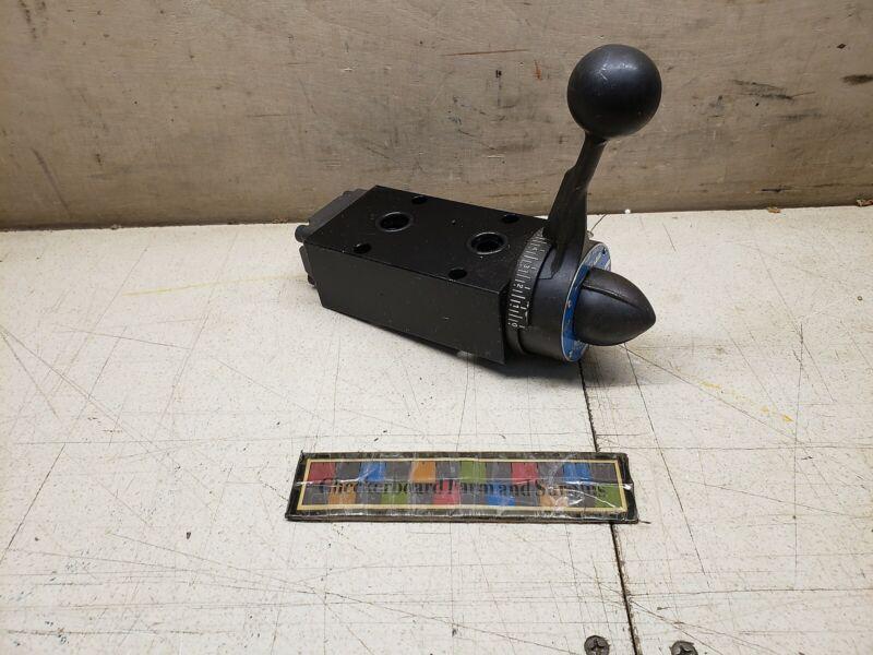 NOS Parker-Hannifin Waterman Hydraulic Ball Valve 10923477 DD14094R-6 K14094R6