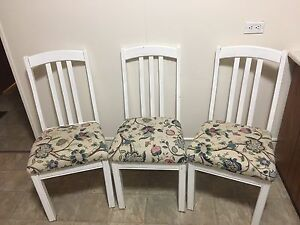 3 dining room chairs ** sold - pending pick up**