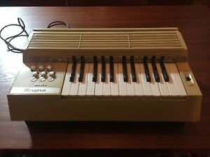 Retro Electric Organ