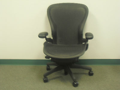Basic Aeron Office Chair Size C Graphite Frame Classic Carbon Mesh Ae-6