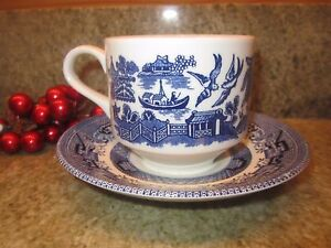 CHURCHILL-Blue-Willow-CUP-and-SAUCER-made-in-England-EUC