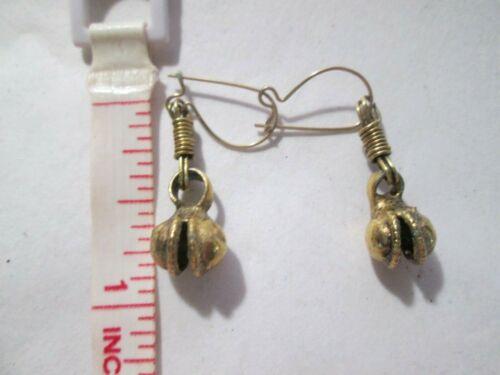 "Dangle earrings vintage look goldtone. about 7/8"" Length"