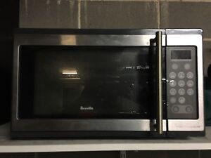1100 W Breville microwave Waverley Eastern Suburbs Preview