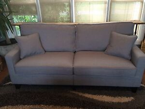 Sofa grey kijiji free classifieds in calgary find a for Sofa bed kijiji calgary