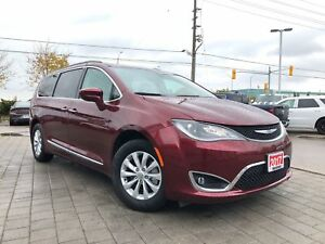 2017 Chrysler Pacifica Touring-L**REMOTE START**POWER SLIDING DO