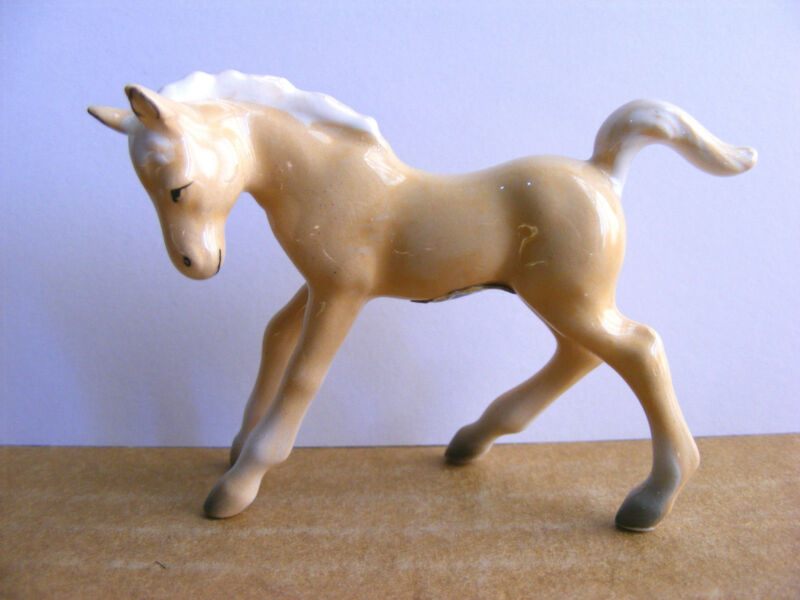 Fine A Quality Japan Palomino Horse Colt Foal Filly Miniature Animal Figurine