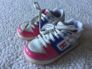 Toddler sz 8 DC sneakers excellent condition