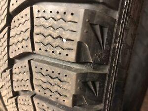 215/45/17 Hiver Winter Like new 340$ 4 pneus
