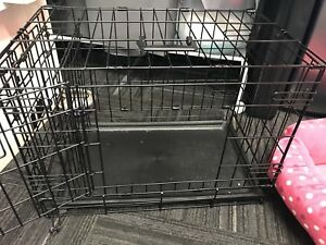 Small pet or dog crate with divider - almost new!