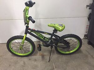 "REDUCED - Hot Wheels youth BMX 16"" bike"