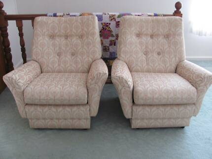 Three Piece Fabric Lounge Belmont North Lake Macquarie Area Preview