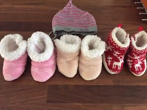 Baby Boots & Hat size 6-12 months