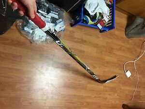 CCM U+ 02 Hockey Stick - Ovi Curve - 85 Flex