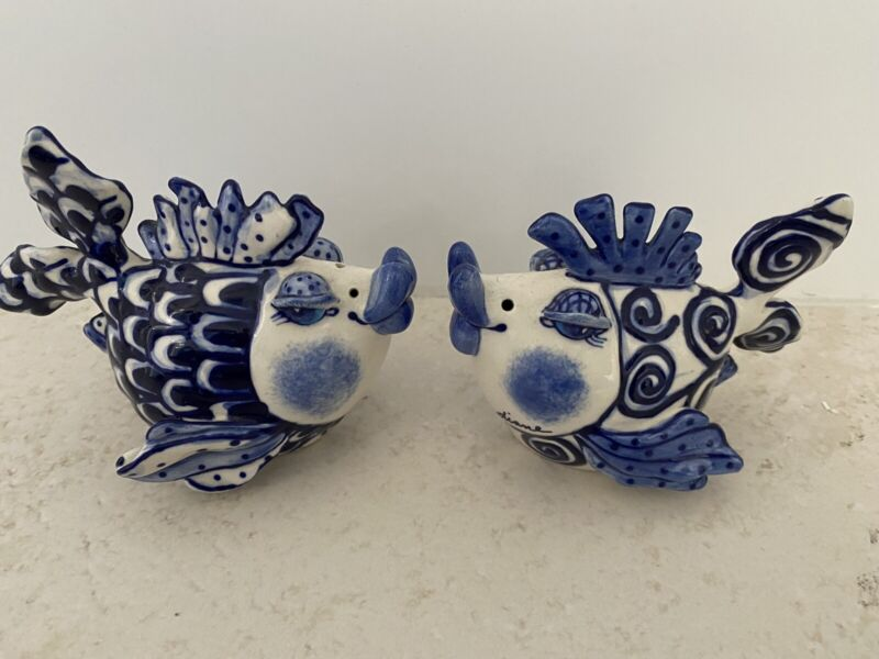 Blue Sky Clayworks Art by Diane Whimsical Kissing Fish Salt and Pepper