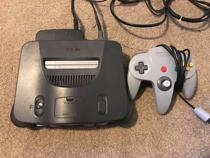 Nintendo 64 with 1x Controller