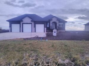 Brandnew 4 Bedroom Country live   Executive  home  available now