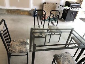 8/10 condition glass dining table set
