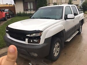 2002 Chevrolet Avalanche(TRADE FOR 1986 BERLINETTA CAMARO)