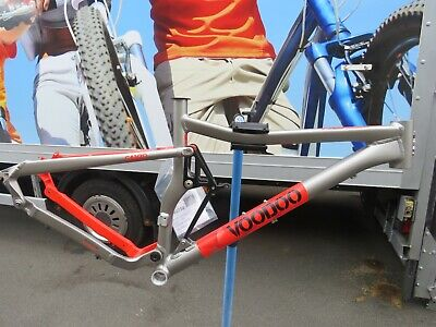 VOODOO CANZO ALUMINIUM FRAME NEW 18 INCH FRAME WITH GEAR HANGER ref 14433