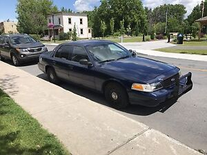 Ford Crown Victoria 2004 1000$