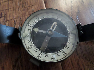WWII BULGARIAN MILITARY WRIST COMPASS LEATHER STRAP
