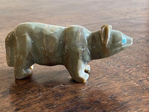 Vintage Zuni Fetish Carving Onyx Bear w Turquoise Eyes Unsigned