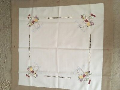VINTAGE EMBROIDERED LINEN SQUARE TABLE CLOTH