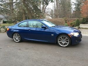 2011 bmw 335xi Monaco blue only 30k km.
