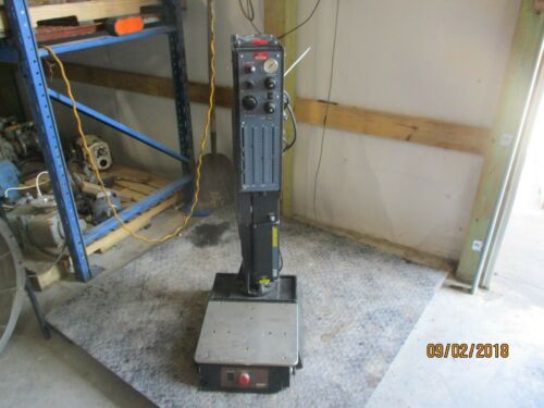 DUKANE ULTRA 210 PLSTIC WELDER #103928C USED