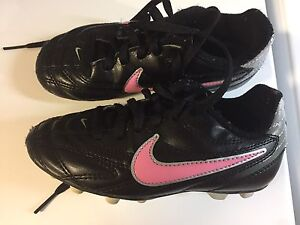 Size 10 Nike Cleats, soccer/baseball shoes