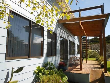 King Island, Beautiful House & Accommodation Cottages