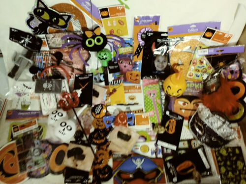 60+ HALLOWEEN PARTY FAVORS & DECORATIONS / PROPS / WINDOW CLINGS PENCILS & MORE!