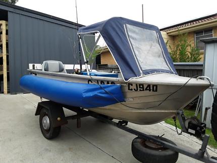 Savage Gull Boat