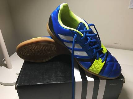 Futsal/Indoor Soccer Adidas US Size 7 1/2 shoes in good condition