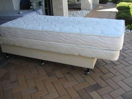Niagara Platinum 6 Electric Massage Bed with Latex Mattress