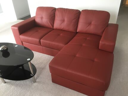 BEAUTIFUL 2 MONTHS OLD LEATHER SOFA