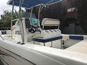 Centre Console Boat