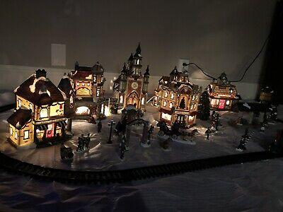Grandeur Noel Collectors Edition 42 Piece Train Village Christmas Set Vintage