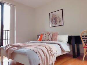 Private bedroom,Included bills,2mins walk to Vic. market&Free tram