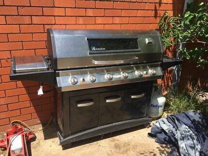 6 burner BBQ + side hot plate