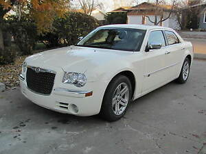 2010 Chrysler 300-Series C HEMI LOADED