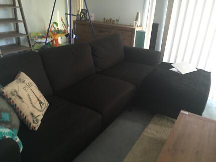 Black chaise lounge Cambridge Park Penrith Area Preview