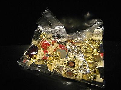 Getränke Tabak Pin Anstecknadel 50 stück im Konvolut Anstecker Button