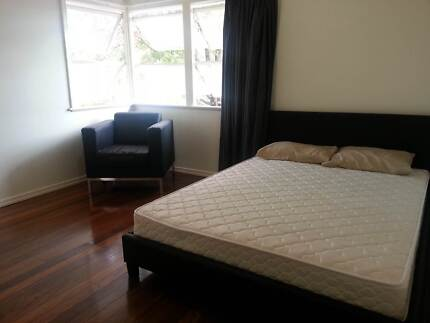 STUDENT ACCOMMODATION - ROOM ON A BUDGET!!! ALL BILLS INCLUDED!!! Tarragindi Brisbane South West Preview